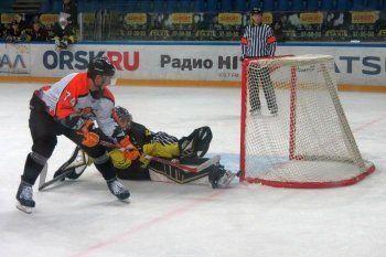ХК «Спутник» победой завершил предсезонный турнир в Орске
