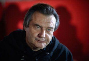 Алексей Учитель попросил МВД и ФСБ обеспечить безопасность зрителей «Матильды». Накануне его студию попытались поджечь