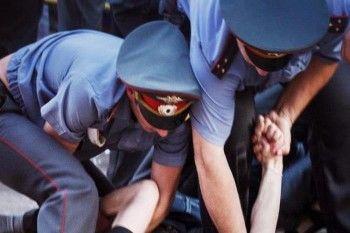 Жителю Нижнего Тагила грозит до 5 лет тюрьмы за избиение женщины-полицейского