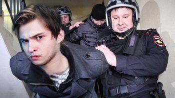 Суд Екатеринбурга продлил на месяц арест блогера Соколовского