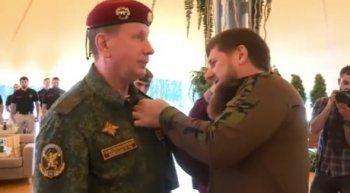 Виктор Золотов получил орден Кадырова