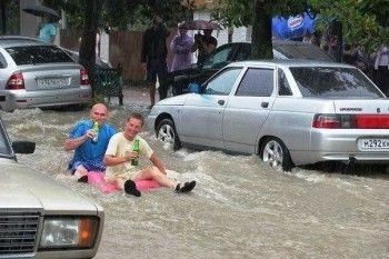 Полсотни семей эвакуированы из-за наводнения в Сочи (ФОТО, ВИДЕО)