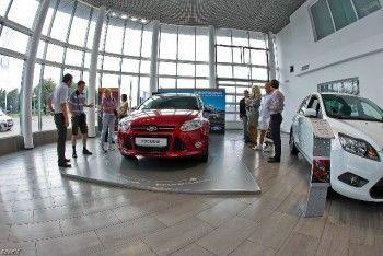 Автоконцерны снижают цены из-за обвала продаж