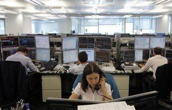 Минфин РФ закупит в феврале валюту на рынке на 113,1 млрд рублей