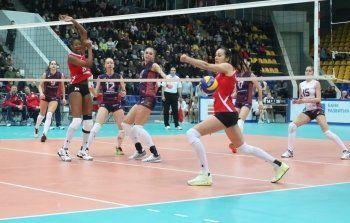Волейболистки «Уралочки» не смогли взять реванш у «Омички»