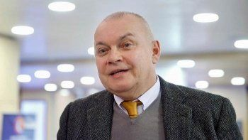 Дмитрий Киселёв объяснил молчание федеральных телеканалов о митинге «Он нам не Димон»