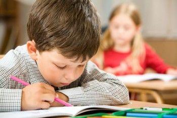 Депутаты предлагают платить школьникам за хорошие оценки