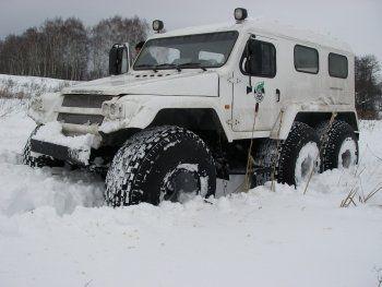 Российские военные внедорожники покоряют Заполярье