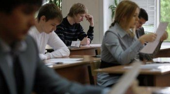 В Краснодарском крае учителя истории уволили после участия в акции 12 июня