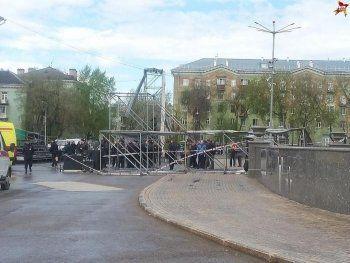 В Перми от ветра обрушилась сцена, пострадали не менее шести детей