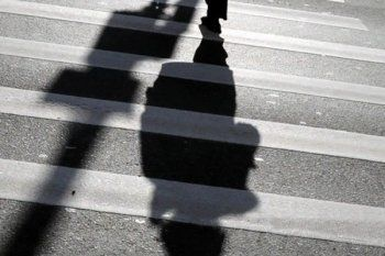 Семейную пару на пешеходном переходе под Нижним Тагилом сбила иномарка