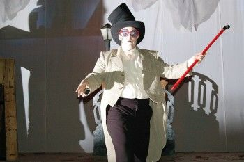 «Танцевальный» Достоевский на сцене Молодёжного театра