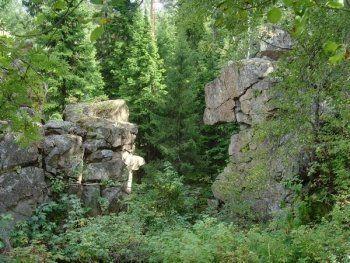 Юрьев Камень признали памятником природы областного значения. «Теперь здесь запрещается всякая деятельность»