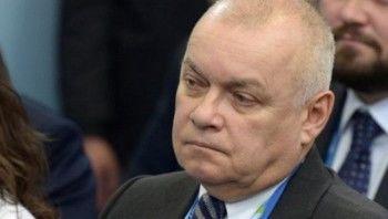 Россияне стали меньше верить телевидению и газетам