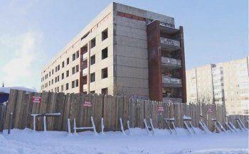 Недостроенный Дом ветеранов в Нижнем Тагиле суд обязал снести после череды несчастных случаев и преступлений