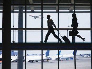 «Левада-центр»: 25% россиян задумались об эмиграции