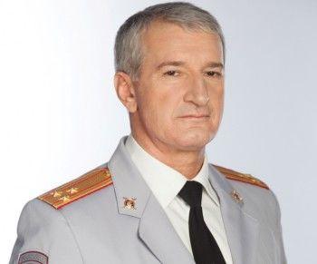 Генерал Михаил Бородин наградил начальника тагильской полиции Ибрагима Абдулкадырова
