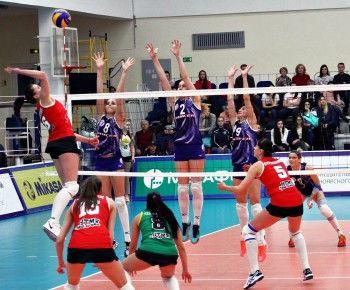 Волейбольный клуб «Уралочка-НТМК» уступил «Енисею» в первом матче за бронзовые медали ЧР