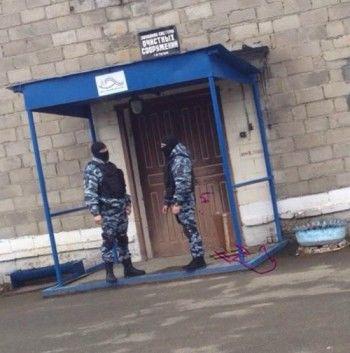 В Нижнем Тагиле СК и ОМОН пришли с обысками в офис «Водоканала-НТ»
