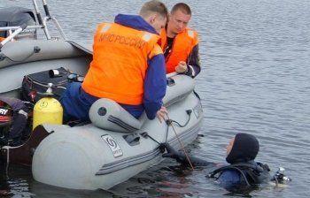 На Ладожском озере перевернулась лодка с подростками
