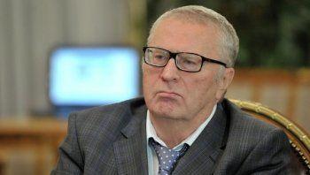 Жириновский пообещал сделать запрос о ходе расследования нападения на Навального