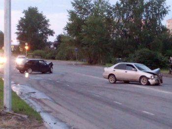 ДТП на улице Алтайской в Нижнем Тагиле попало на видео