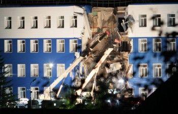 12 человек погибли из-за обрушения казармы в Омске