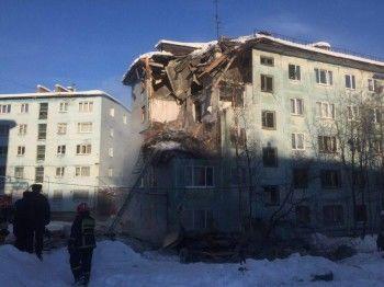 В Мурманске при взрыве бытового газа в жилом доме погиб человек