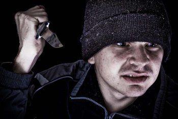 19-летний рецидивист ограбил магазин под Нижним Тагилом и попал на видео