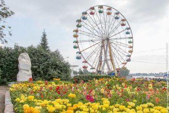 Из-за кризиса мэрия Нижнего Тагила сократила расходы на украшение города цветами в три раза: клумбы пропадут с главных проспектов