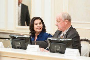 Дочь тагильского депутата ведёт на «Магистрали» международный круглый стол