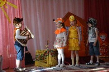 Свердловским детям показали сказку о православном Колобке