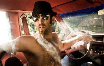 Водителям могут запретить курить за рулём