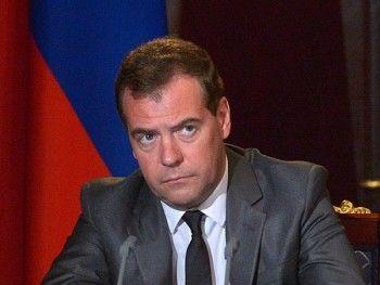 Медведев запретил госорганам покупать иностранное программное обеспечение