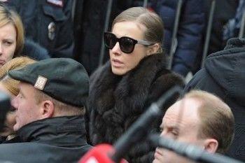 Собчак уехала из России по совету спеццслужб
