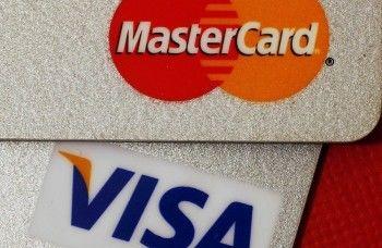 Visa и MasterCard прекратили выдачу денег в Крыму