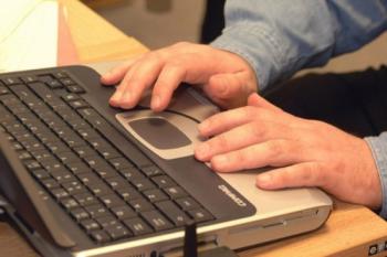 Тагильчанин перевёл мошенникам 50 000 рублей через интернет