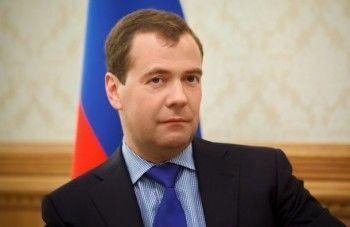 «Наследие прошлого». Медведев выступил за отмену «круглых печатей» для бизнеса
