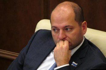 Илья Гаффнер после скандала с сыном и совета россиянам меньше питаться покинул пост главы комитета в свердловском Заксобрании