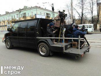 В центре Нижнего Тагила сняли самую эффектную сцену фильма «Ненастье» с опрокидываем джипа (ВИДЕО)
