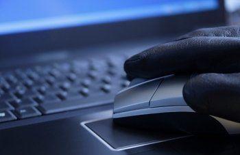 Хакеры, оскорбившие память погибших в авиакатастрофе в Казани, могут находиться в Тагиле