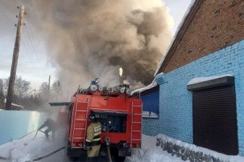 При пожаре на обувной фабрике под Новосибирском погибли десять человек