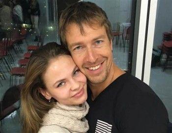 Настя Рыбка и Алекс Лесли обратились в посольство США с просьбой о политическом убежище