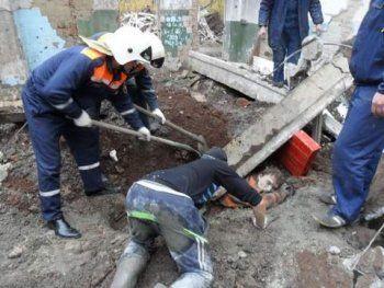 На НТМК троих рабочих придавило плитой. «У одного отрезали ногу до колена, другому вставили аппарат Илизарова, вся пятка в мясо»