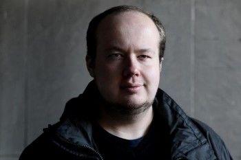 Суд отказался рассмотреть иск недовольного баном в Twitter сотрудника ФБК к Медведеву