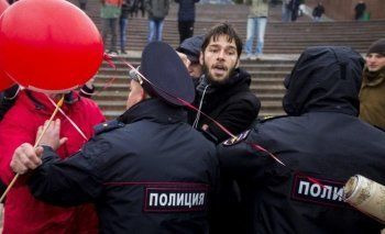 СМИ: На акциях в поддержку Алексея Навального задержаны более 100 человек