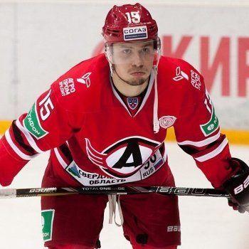 Звезда «Автомобилиста» Анатолий Голышев проведёт несколько игр за ХК «Спутник» из Нижнего Тагила