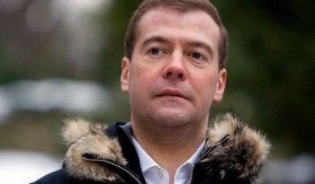 Премьер-министр Дмитрий Медведев прилетел в Свердловскую область