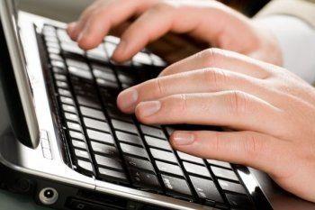 Популярных блогеров хотят наделить правами журналистов