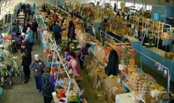 Четверть торговых мест на российских рынках отдадут фермерам